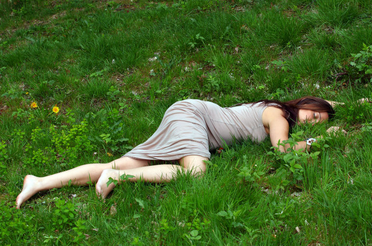 woman_sleep_grassBLOG