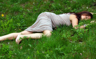 woman_sleep_grassFEATURE